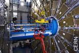 Letzter LHC-Abschnitt: Installation der Beam-Pipe für das ATLAS-Experiment.